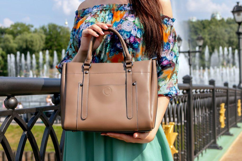 Choosing the best EDC purse for women