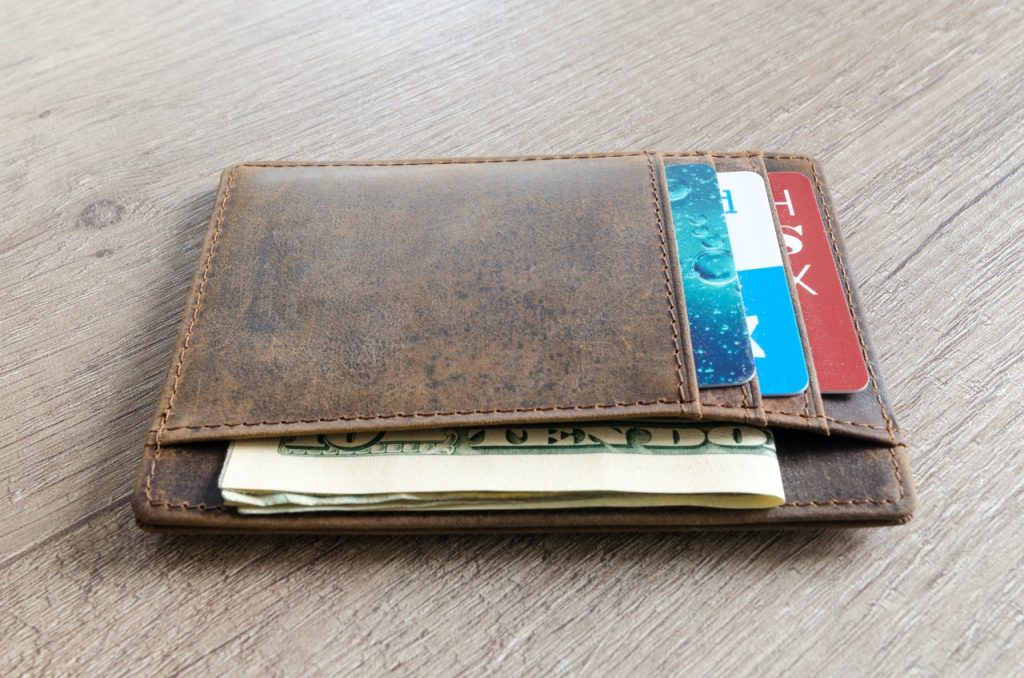 Keep your EDC gear on your wallet