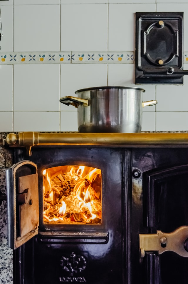 Safe Indoor Cooking without Electricity using wood stove
